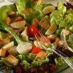 Míchaný salát s kuřecím masem