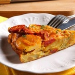 Pivní bramborová omeleta s klobásou