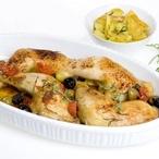 Šťavnatá kuřecí stehna s rajčaty a olivami