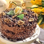 Ořechový dort s hnědým krémem