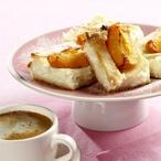 Bramborový mřížkový koláč s tvarohem a meruňkami