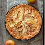 Koláč s jablky a mandlemi