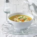 Kuřecí polévka s domácími nudlemi