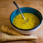 Pastináková polévka s kari