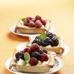 Košíčky s ovocem a vanilkovým krémem