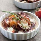 Minikoláčky se salámem a rajčátky