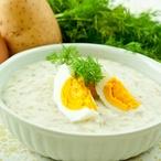 """Kyselka"""" s koprem, pečeným brambůrkem a praženým vajíčkem"""