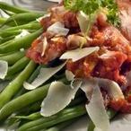 Zelené fazolky s rajčaty