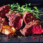 Steak z hovězí veverky se salátem misticanza