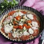 Bramborový koláč s rajčaty a mozzarellou