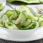 Vietnamský okurkový salát