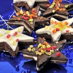 Kakaové hvězdičky slepované čokoládou