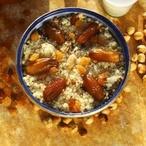Kuskus sořechy a datlemi