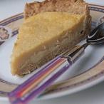 Křehký koláč s vaječným krémem