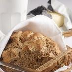 Ořechový chléb se smetanou