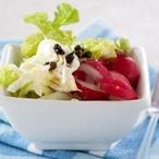 Salát z bílého zelí s ředkvičkami