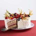 Piškotový dort se smetanou a ovocem