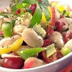 Fazolový salát s rajčátky