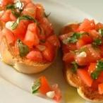 Opečený chléb s rajčaty