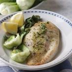Grilovaná ryba s opečeným salátem