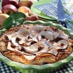 Jablečný koláč s ořechy a rozinkami