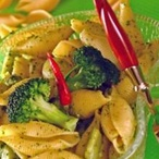 Krátké těstoviny s brokolicí