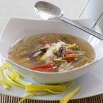 Zeleninová polévka s kuskusem a žampiony