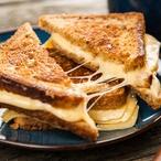 Sendvič inspirovaný raclettem